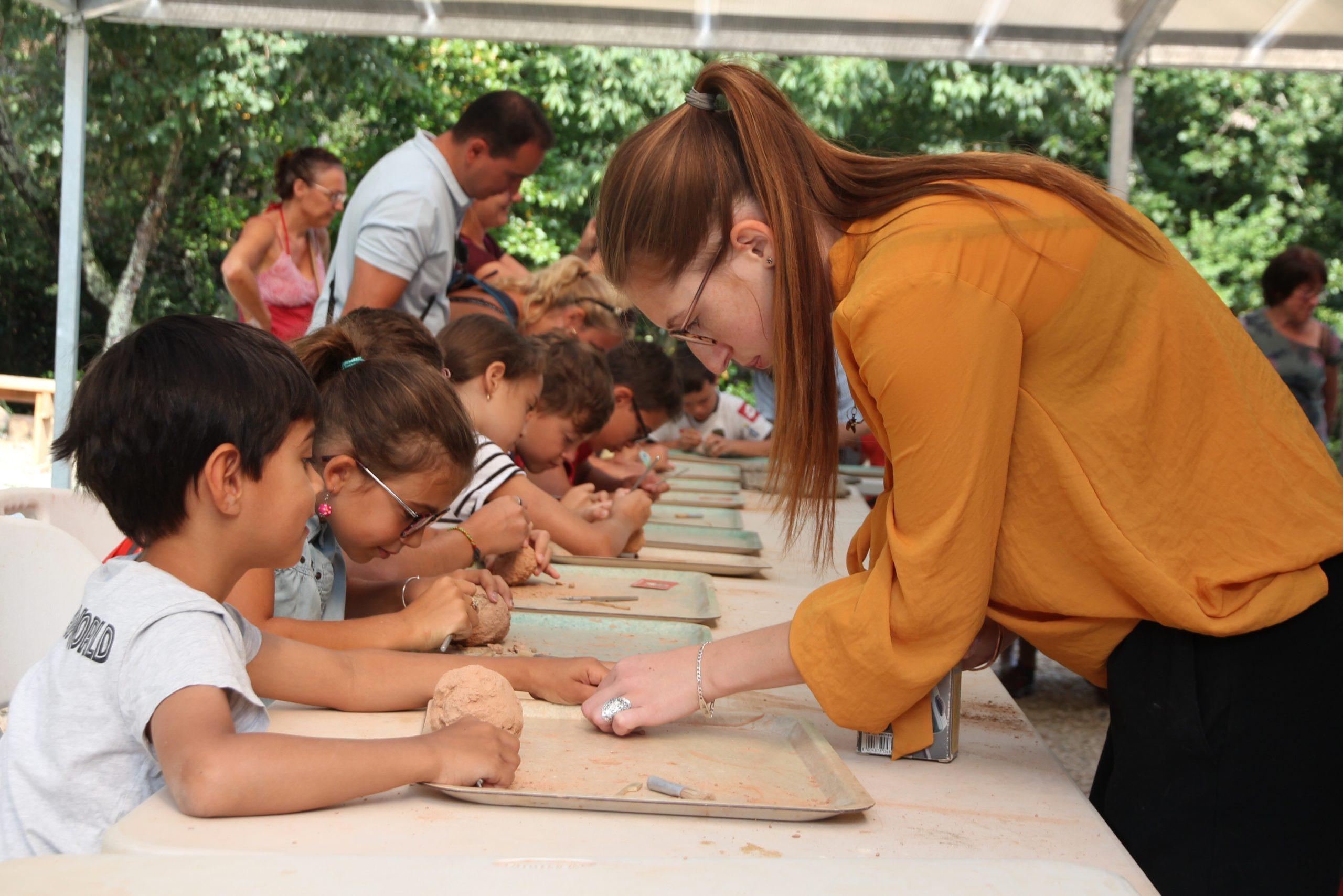 Extractions de fossiles - Muséum de l'Ardèche